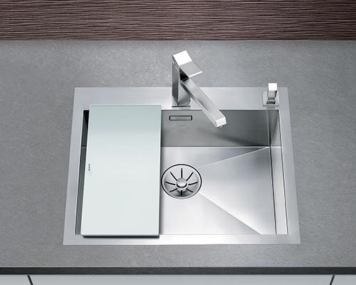 BLANCO ZEROX 550-IF/A kjøkkenvask i rustfritt stål. Tilbehør: skjærefjel i herdet glass.