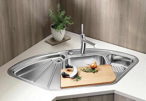 BLANCO DELTA-IF hjørnevask i rustfritt stål.