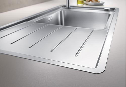 BLANCO ANDANO XL 6S-IF med ekstra tynne kanter for elegant tilpasning til benkeplaten.