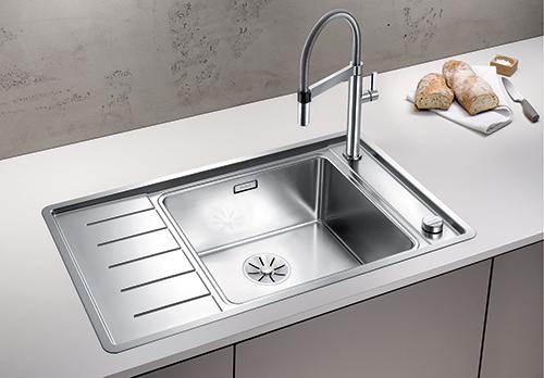 BLANCO ANDANO XL 6S-IF Compact kjøkkenvask i rustfritt stål, stor kum til høyre.