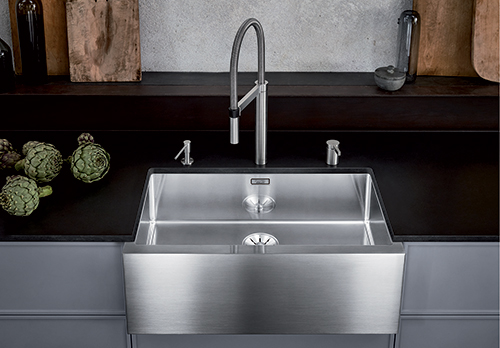 BLANCO CRONOS XL 8-U. STEELART kjøkkenvask med frontpanel i børstet rustfritt stål.