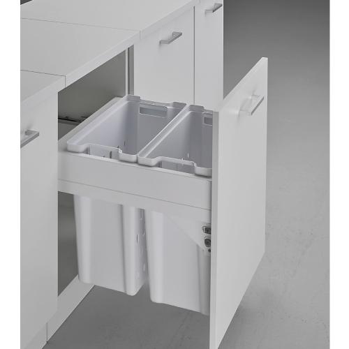 Pullboy Soft Laundry 50 - skittentøyskurver for montering i skrogsidene i et 50 cm skap. Trekkes ut på integrerte rulleskinner.