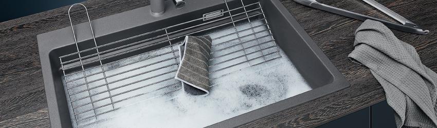 BLANCO ETAGON 8 i Silgranit PuraDur. Funksjonsvask med ekstra romlige kum.