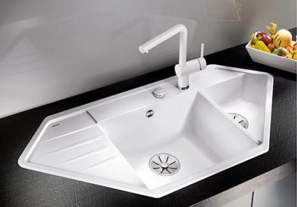 BLANCO LEXA 9 kjøkkenvask i SILGRANIT PuraDur, hvit farge med matchende blandebatteri BLANCO LINUS.