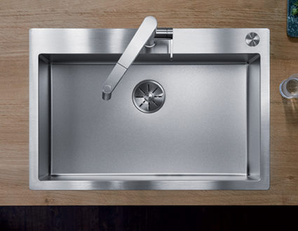 BLANCO CLARON DURINOX 700-IF/A. Kjøkkenvask i rustfritt stål med eskstra hard overflate.