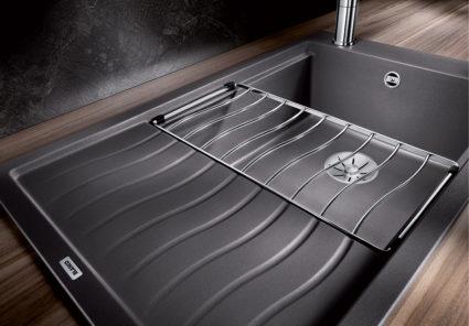 BLANCO ELON XL 6S kjøkkenvask med drypperist og rillefelt i samme design.