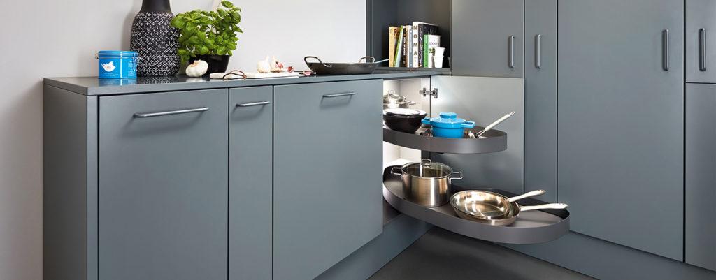 Kjøkkenskap med smart innredning