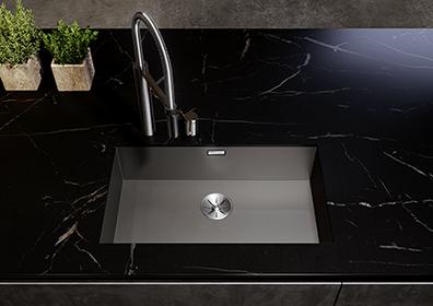 Dark Steel kjøkkenvask med gjennomfarget rustfritt stål, farge mørk grå.