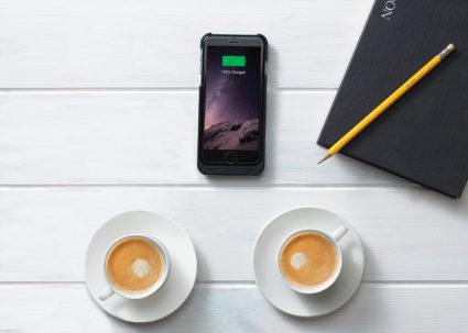 Minibatt MB-FI80 trådløs lader for mobile enheter som støtter Qi teknologi, som f.eks. smarttelefoner, airpods, Apple watch.