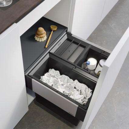 3-delt integrert avfallssorterer Blanco Select II 50/3 med manuelt uttrekk til 50 cm skap.